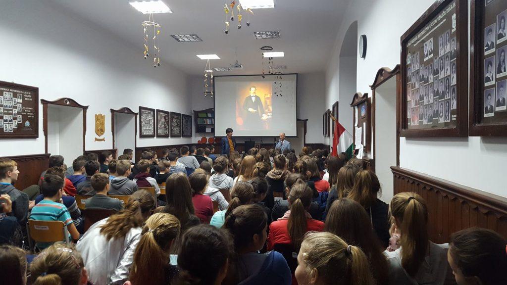 Szépségek a nyelvben, avagy Dr. H. Tóth István előadásai