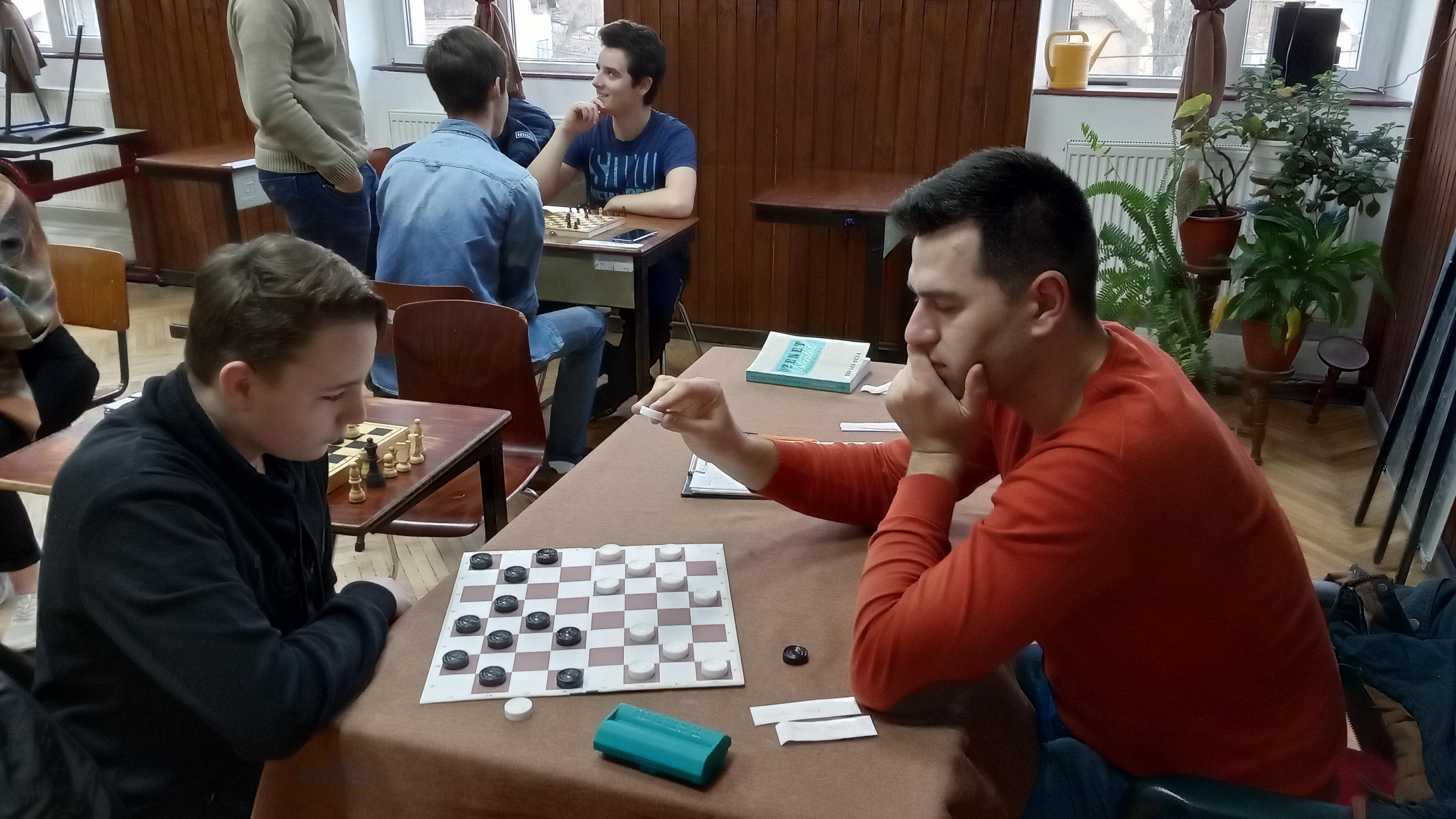 Játék, tatárok nélkül :)